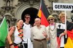 Team Germany, ISA President Fernando Aguerre and Eduardo Arena. Credit: ISA / Michael Tweddle