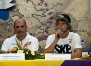 Mayor of Diriamba Fernando Baltodano and  Casper Steinfath from Denmark. Credit: ISA/Michael Tweddle