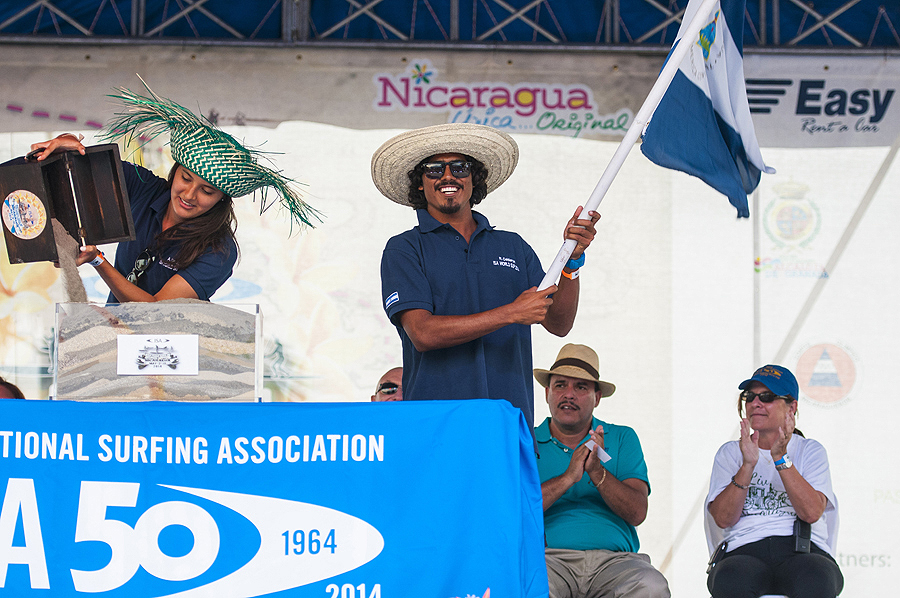 The host country, Team Nicaragua, topping off the Sands of The World. Photo: ISA/Rommel Gonzales