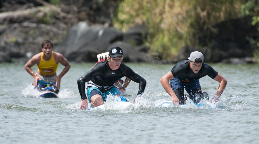 Australian Rhys Burrows (right) won the Gold Medal and New Zealand's Sam Shergold won the Silver Medal in the Men's Paddleboard Long Distance race. Photo: ISA/Michael Tweddle