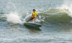 Iballa Ruano de España fue la mejor en la división de Mujeres al obtener el puntaje de ola individual más alto del día, 8.00, con maniobras de alto desempeño en Playa La Boquita. Foto: ISA Michael Tweddle