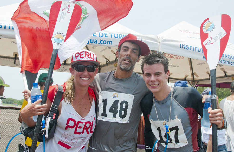 Team Peru's Delgado family, Mother Lizenka (left), father Raul (center), and son Itzel (right). Photo: ISA/Michael Tweddle.
